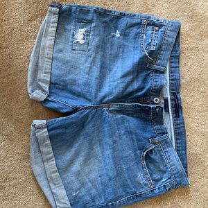 Levi's boyfriend shorts
